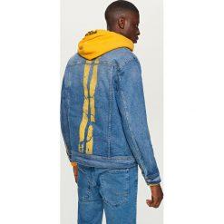 Kurtki męskie bomber: Jeansowa kurtka z żółtymi pasami - Granatowy