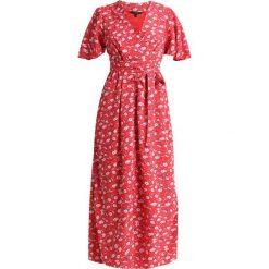 Długie sukienki: Vero Moda Tall VMMOLLY LONG WRAP DRESS  Długa sukienka poppy red