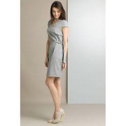 Sukienki: Wizytowa sukienka z paskiem