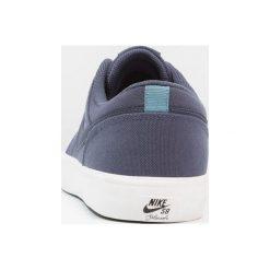 Nike SB PORTMORE II SS CNVS Tenisówki i Trampki thunder blue/noise aqua/summit white. Niebieskie trampki męskie Nike SB, z materiału. W wyprzedaży za 201,75 zł.