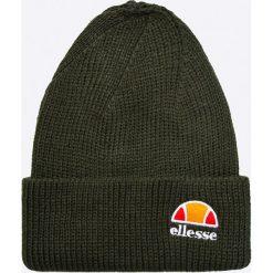 Ellesse - Czapka. Czarne czapki zimowe męskie Ellesse, na zimę, z dzianiny. W wyprzedaży za 69,90 zł.