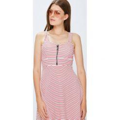 Haily's - Sukienka. Różowe sukienki dzianinowe marki numoco, l, z dekoltem w łódkę, oversize. Za 99,90 zł.