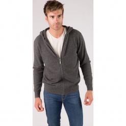 Kaszmirowy kardigan w kolorze szarym. Czarne swetry rozpinane męskie marki Reserved, m, z kapturem. W wyprzedaży za 434,95 zł.