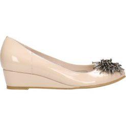 Czółenka JENA. Brązowe buty ślubne damskie Gino Rossi, z lakierowanej skóry. Za 199,90 zł.