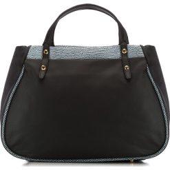 Torebka damska 82-4E-010-1. Czarne torebki klasyczne damskie marki Wittchen, w paski. Za 499,00 zł.