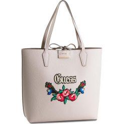 Torebka GUESS - HWEM64 2225 NDP. Białe torebki klasyczne damskie Guess, z aplikacjami, ze skóry ekologicznej, duże. W wyprzedaży za 449,00 zł.