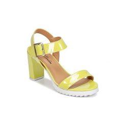 Sandały Betty London  EJONA. Żółte sandały damskie marki Betty London. Za 335,20 zł.