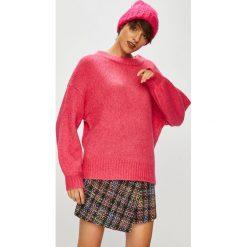 Medicine - Sweter Hand Made. Różowe swetry klasyczne damskie marki MEDICINE, l, z dzianiny, z okrągłym kołnierzem. Za 139,90 zł.