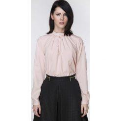 Bluzki damskie: Różowa Bluzka z Wiązaną Kokardą na Karku