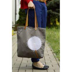 Torba na zakupy DMUCHAWIEC. Szare shopper bag damskie Pakamera, z aplikacjami, ze skóry, z aplikacjami. Za 67,00 zł.