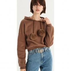Bluza z detalem - Brązowy. Białe bluzy damskie marki Sinsay, l, z napisami. Za 59,99 zł.