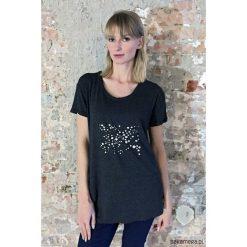 T-shirt 'Dots outside the box' by ŚMIEJKOWSKA. Czarne t-shirty męskie marki Pakamera, m, z kapturem. Za 139,00 zł.