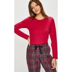 Tommy Hilfiger - Piżama. Czerwone piżamy damskie marki TOMMY HILFIGER, l, z bawełny. Za 349,90 zł.
