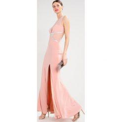 Mascara Długa sukienka dusty rose. Czerwone długie sukienki marki Mascara, z materiału, z długim rękawem. W wyprzedaży za 835,45 zł.