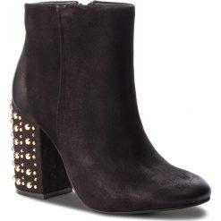 Botki CARINII - B4366  360-000-000-C00. Czarne buty zimowe damskie marki Carinii, z nubiku. W wyprzedaży za 249,00 zł.