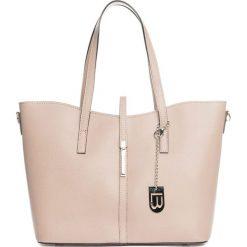 Torebki klasyczne damskie: Skórzana torebka w kolorze jasnojasnoróżowym – 40 x 27 x 14 cm