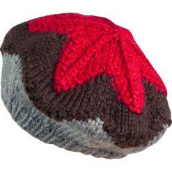 Czapka-beret damska ciepła z gwiazdką szaro czerwona. Czerwone czapki zimowe damskie Art of Polo. Za 49,91 zł.