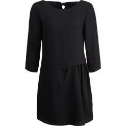 Armani Exchange Sukienka letnia black. Czarne sukienki letnie Armani Exchange, z materiału. W wyprzedaży za 575,20 zł.