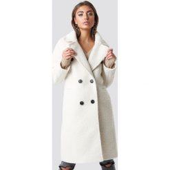 Luisa Lion x NA-KD Dwurzędowy płaszcz - White,Offwhite. Białe płaszcze damskie pastelowe Luisa Lion x NA-KD. Za 404,95 zł.