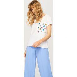 T-shirt z ozdobną kieszonką - Kremowy - 2