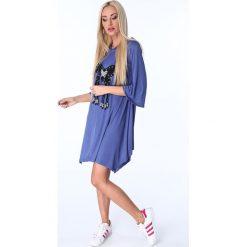 Sukienki: Sukienka z motylem chabrowa 17380