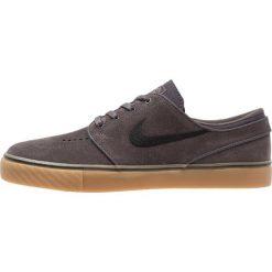 Nike SB ZOOM STEFAN JANOSKI Tenisówki i Trampki thunder grey/black/light brown. Szare tenisówki męskie Nike SB, z materiału. Za 359,00 zł.