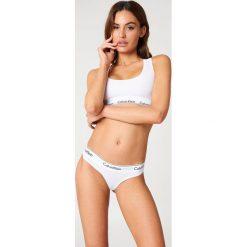 Calvin Klein Stringi Modern Cotton - White. Białe stringi Calvin Klein, s, z bawełny. Za 80,95 zł.