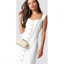 Trendyol Sukienka z guzikami Tulum - White. Szare sukienki z falbanami marki Trendyol, na co dzień, z elastanu, casualowe, midi, dopasowane. Za 141,95 zł.