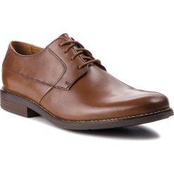 Półbuty CLARKS - Becken Plain 261241757  Tan Leather. Brązowe derby męskie Clarks, z materiału. Za 319,00 zł.