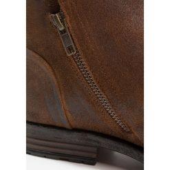 ALDO GERONE Botki brown. Brązowe botki męskie marki ALDO, z materiału. W wyprzedaży za 509,15 zł.