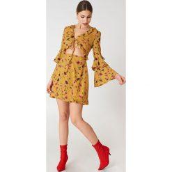Glamorous Sukienka mini z długim rękawem - Multicolor,Yellow. Żółte długie sukienki Glamorous, z falbankami, z długim rękawem. W wyprzedaży za 60,89 zł.
