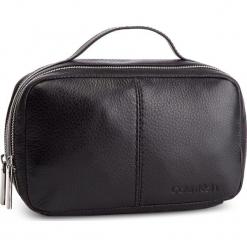 Kosmetyczka CALVIN KLEIN - Multi-Strap Washbag K50K504272 001. Czarne kosmetyczki damskie Calvin Klein, ze skóry. Za 599,00 zł.