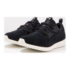 Puma CARSON 2 MOLDED SUEDE Obuwie do biegania treningowe black/whisper white. Czarne buty do biegania damskie Puma, z materiału. W wyprzedaży za 223,30 zł.