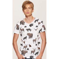 T-shirt z nadrukiem w leśne zwierzęta - Wielobarwn. Czarne t-shirty męskie z nadrukiem marki House, l. Za 49,99 zł.