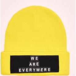 Czapka z naszywką Do It Yourself - Żółty. Żółte czapki męskie Cropp, z aplikacjami. Za 39,99 zł.