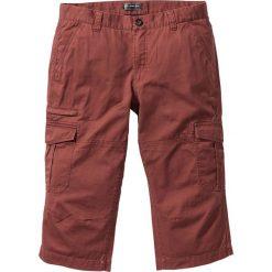 Spodnie bojówki 3/4 Loose Fit bonprix czerwony mahoń. Czerwone bojówki męskie marki bonprix. Za 99,99 zł.