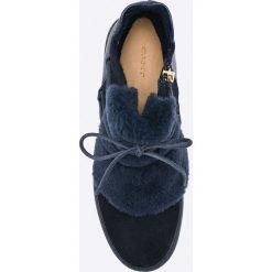 Gant - Botki. Czarne buty zimowe damskie GANT, z materiału, z okrągłym noskiem. W wyprzedaży za 299,90 zł.