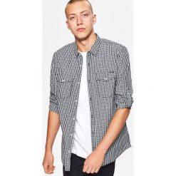Koszula w drobną kratkę BASIC - Jasny szary. Szare koszule męskie w kratę marki Cropp, l. Za 69,99 zł.