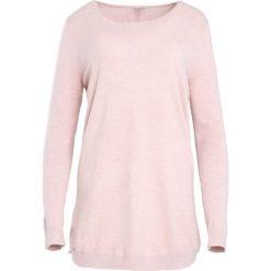 Swetry klasyczne damskie: Różowy Sweter Coming Home