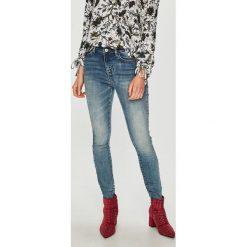 Medicine - Jeansy Vintage Revival. Niebieskie jeansy damskie rurki marki MEDICINE, z bawełny. Za 139,90 zł.