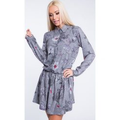 Sukienki: Sukienka we wzory zapinana na guziki jasnoszara 1556