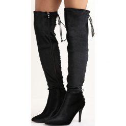 Czarne Kozaki Radiis. Czarne buty zimowe damskie Born2be, z weluru, ze szpiczastym noskiem, na wysokim obcasie, na szpilce. Za 99,99 zł.