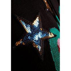 Love Moschino KNIT DRESS HOOD Sukienka dzianinowa black. Czarne sukienki dzianinowe marki Love Moschino. W wyprzedaży za 483,60 zł.