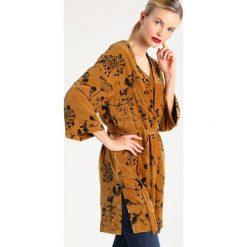 Płaszcze damskie pastelowe: Selected Femme SFAMITA Krótki płaszcz golden brown