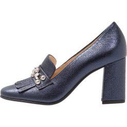 Högl Czółenka dark blue. Niebieskie buty ślubne damskie HÖGL, z materiału. Za 649,00 zł.