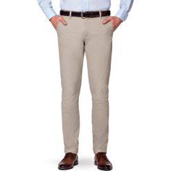 Spodnie J.Beż Chino Paul. Brązowe chinosy męskie LANCERTO, w kolorowe wzory, z bawełny. Za 299,90 zł.
