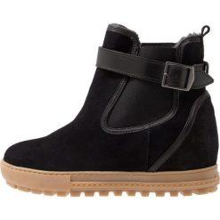 Aigle CHELSWARM Ankle boot black. Czarne buty zimowe damskie Aigle, z materiału. Za 649,00 zł.