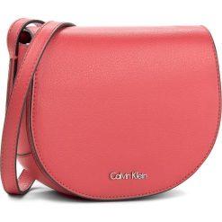 Torebka CALVIN KLEIN - Frame Saddle Bag K60K603982 618. Czerwone listonoszki damskie marki Calvin Klein, ze skóry ekologicznej. W wyprzedaży za 309,00 zł.