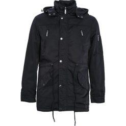 Czarna Kurtka Walk On Water. Czarne kurtki męskie zimowe marki Born2be, l, z aplikacjami, z dresówki. Za 244,99 zł.