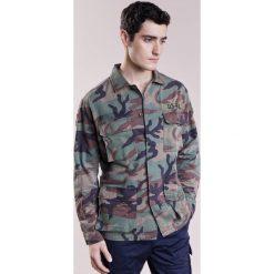 Polo Ralph Lauren AIRBORNE Kurtka wiosenna khaki. Brązowe kurtki męskie marki Polo Ralph Lauren, l, z bawełny. W wyprzedaży za 671,20 zł.